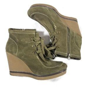 MIA Hazel Sz 10 Lace Up Wedge Ankle Boots/Olive